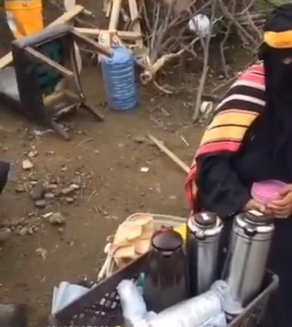 سيدة تبيع الشاي والقهوة لتغطية نفقات علاجها في أبها