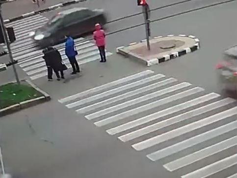 طالب مصري يـدهس 4 أشخاص في أحد شوارع أوكرانيا