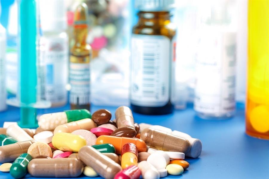 ضبط طبيب نفسي يُتاجر في الأدوية المحظورة بحيلة ماكرة (فيديو)