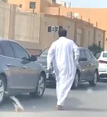 النائب العام يوجه بالقبض على مواطن ظهر في مقطع فيديو متداول يطلق النار على منشأة صحية
