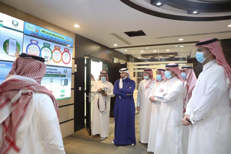 الحقيل يتفقد مشاريع أمانة الرياض من خلال جولة ميدانية