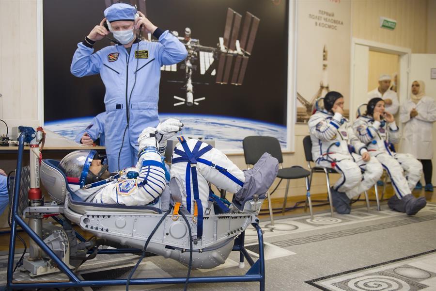 تفاصيل رحلة هزاع المنصوري إلى الفضاء