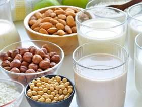 منها الحليب والمكسرات.. الغذاء والدواء توضح أبرز الأطعمة المسببة لحساسية الطعام (فيديو)