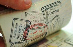 بريطانيا تعفي مواطني عُمان وقطر والإمارات من تأشيرة الدخول اعتبارا من شهر يناير