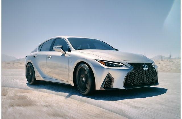 """8- لكزس آي إس """"Lexus IS"""""""