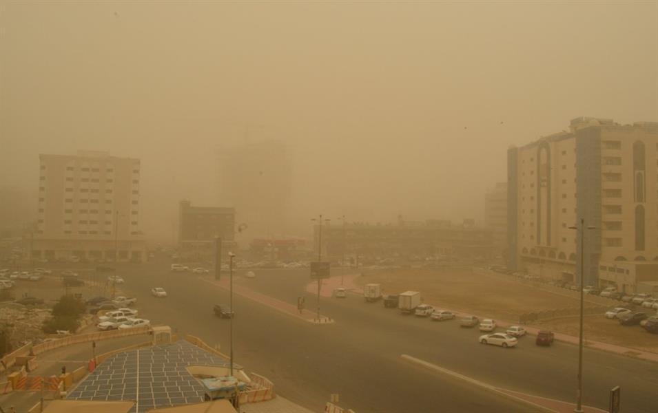 """بسبب الغبار والأتربة.. """"911"""" يحذر من حجب الرؤية الأفقية على بعض الطرق بمنطقة مكة"""