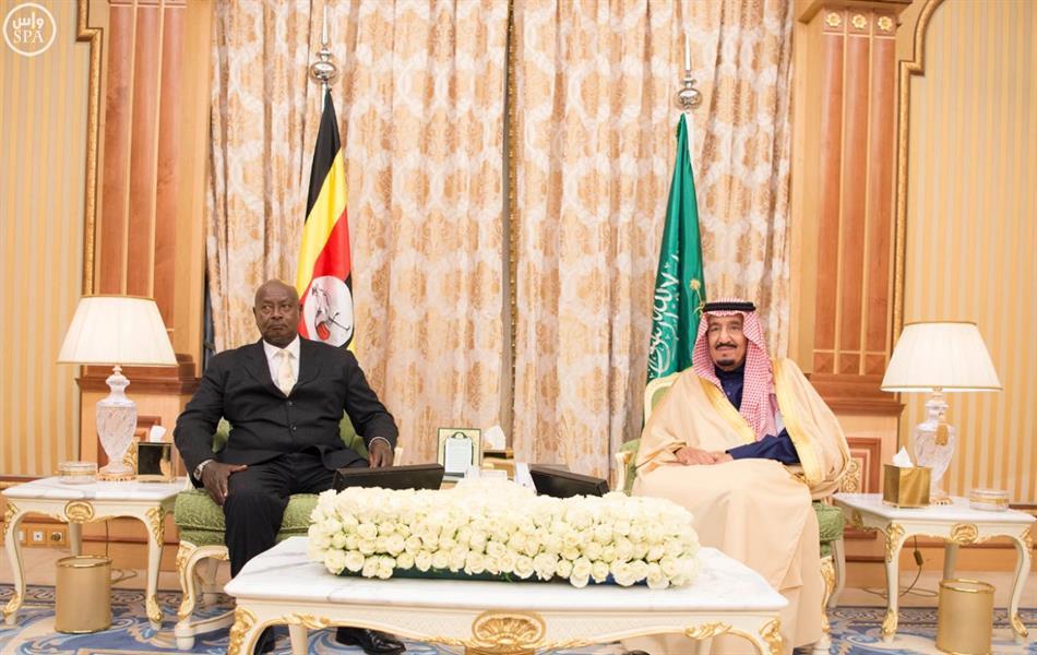 خادم الحرمين الشريفين يعقد جلسة مباحثات رسمية مع الرئيس الأوغندي