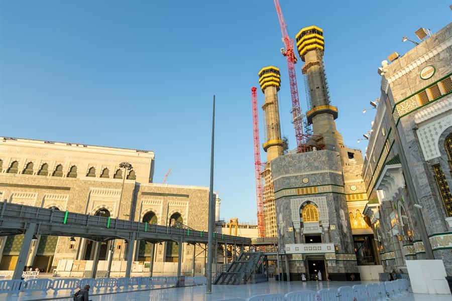 6 منارات جديدة بالمسجد الحرام.. ونسبة الإنجاز بها تصل إلى 45%