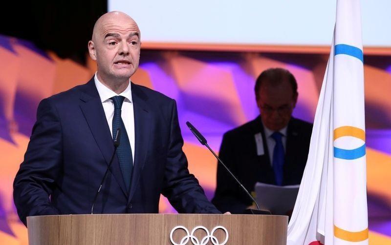 رئيس «الفيفا»: مباريات كرة القدم في خطر بسبب كورونا