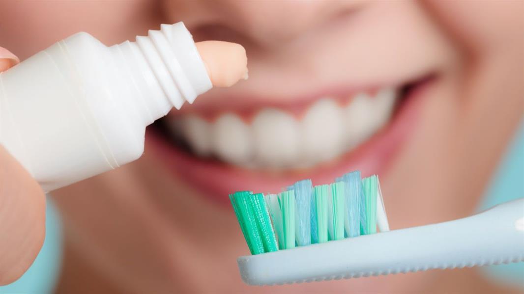 أهمية الحفاظ على صحة الأسنان .. وما علاقتها بأمراض القلب؟