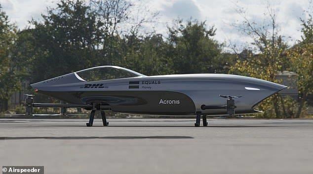 الكشف عن أول سيارة طائرة للسباقات الجوية بمواصفات لافتة