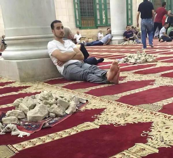 صور وفيديوهات مؤثرة لتضحيات الفسلطينيين دفاعاً عن المسجد الأقصى والمقدسات