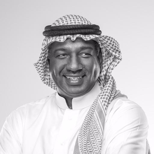ماجد عبدالله يتلقى الجرعة الأولى من لقاح فيروس كورونا (فيديو)