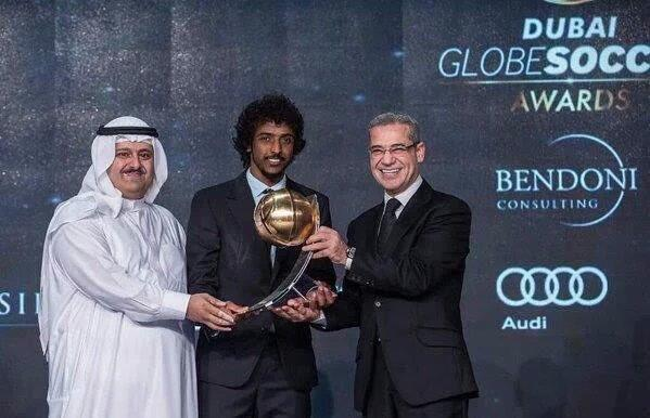 لاعب الهلال ياسر الشهراني أفضل لاعب خليجي لعام 2015