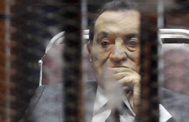 """نائب عام مصر يأمر بدراسة """"حيثيات براءة مبارك"""" وجميع المتهمين بـ""""محاكمة القرن"""" للطعن عليها"""