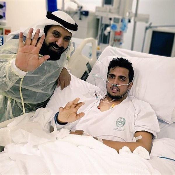 بعد أسبوعين من العلاج بالمستشفى.. البطل مشعل العنزي يفيق من الغيبوبة (صورة)