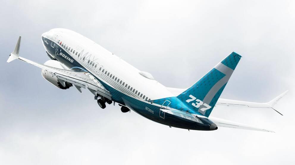 """بعد توقف أكثر من عام.. """"بوينغ"""" تجري أول رحلة تجريبية لطائرة """"737 ماكس"""""""