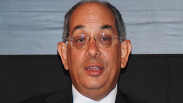 الانتربول يلقي القبض على وزير المالية المصري الأسبق في فرنسا