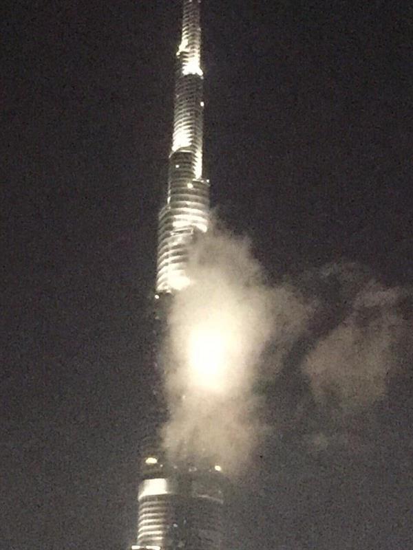 أخبار 24 برج خليفة ينفي نشوب حريق به صور