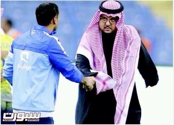 سامي الجابر يصافح الامير فيصل بن تركي