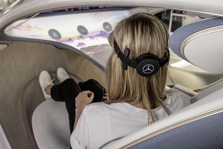 """""""مرسيدس- بنز"""" تكشف تفاصيل أحدث سياراتها ذاتية القياد"""