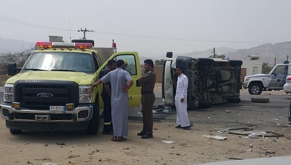 بالصور.. إصابة 7 معلمات وسائقهن في حادث انقلاب بالعرضيات