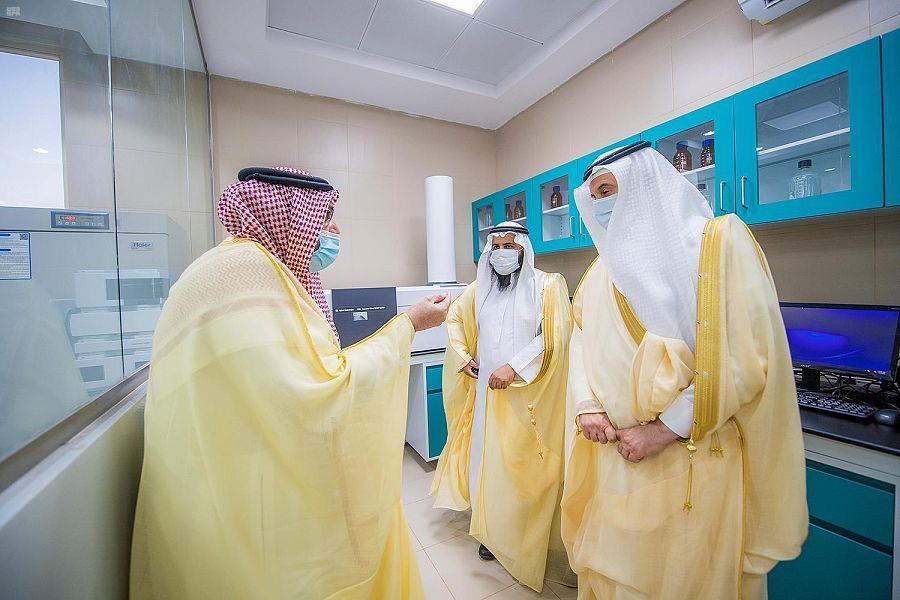 بتكلفة 100 مليون ريال.. أمير القصيم يدشن مستشفى الإبل في بريدة