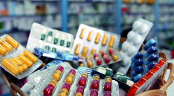 """ضبط """"مقاول"""" يبيع الأدوية عبر مواقع التواصل الاجتماعي بالدمام.. وإحالته للنيابة"""