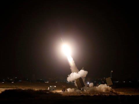 """الإخبارية: """"الدفاع الجوي"""" تدمر صاروخاً باليستياً في سماء جازان أطلقته ميليشيا الحوثي"""