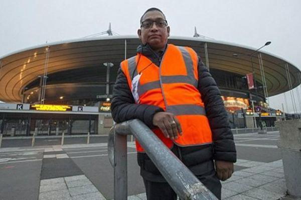 شابّ مسلم ينقذ استاد فرنسا من التفجير