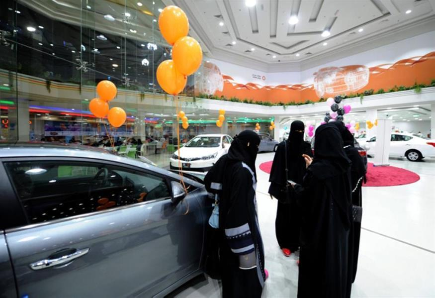 طلعت حافظ: تزايد الإقبال على القروض الشخصية بعد السماح بقيادة المرأة.. وارتفاع نسبة تملك المركبات