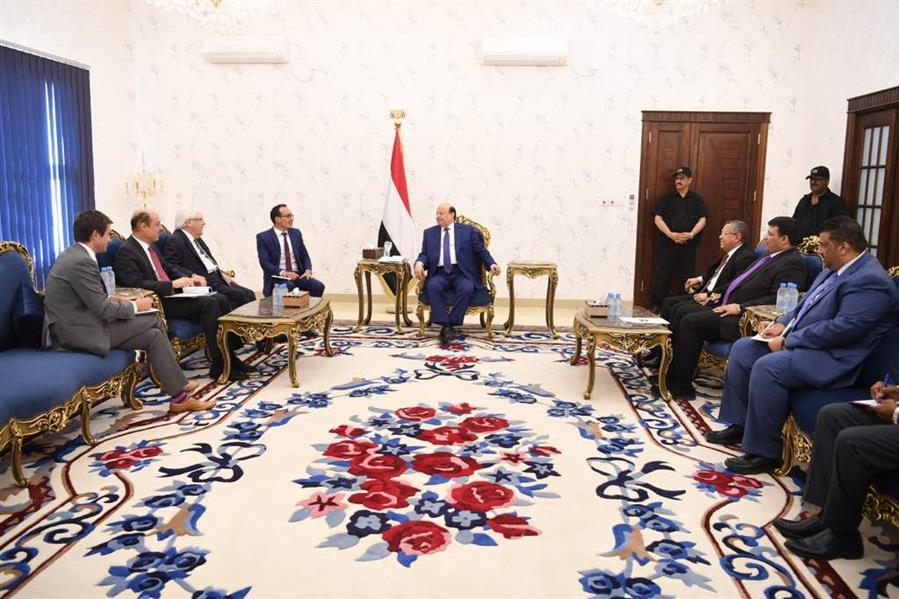 الرئيس هادي يستقبل مبعوث الأمين العام للأمم المتحدة