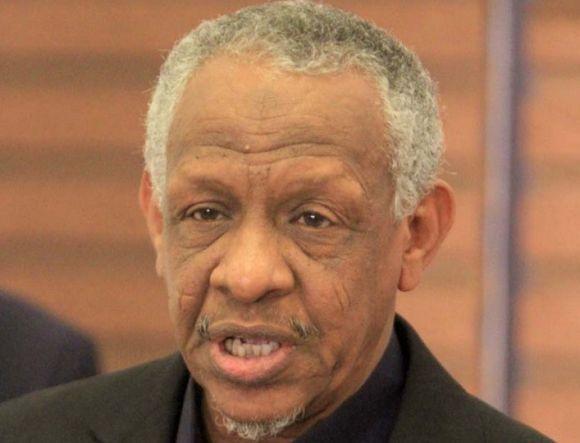 إصابة مساعد عمر البشير تؤجل محاكمته بتهمة الانقلاب