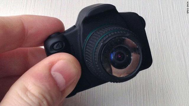 ابتكار أصغر كاميرا ذات عدسة بالعالم بمواصفات جيدة