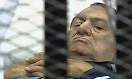 تأجيل إعادة محاكمة حسني مبارك إلى الغد
