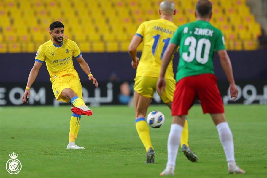 لاعب النصر عبدالإله العمري