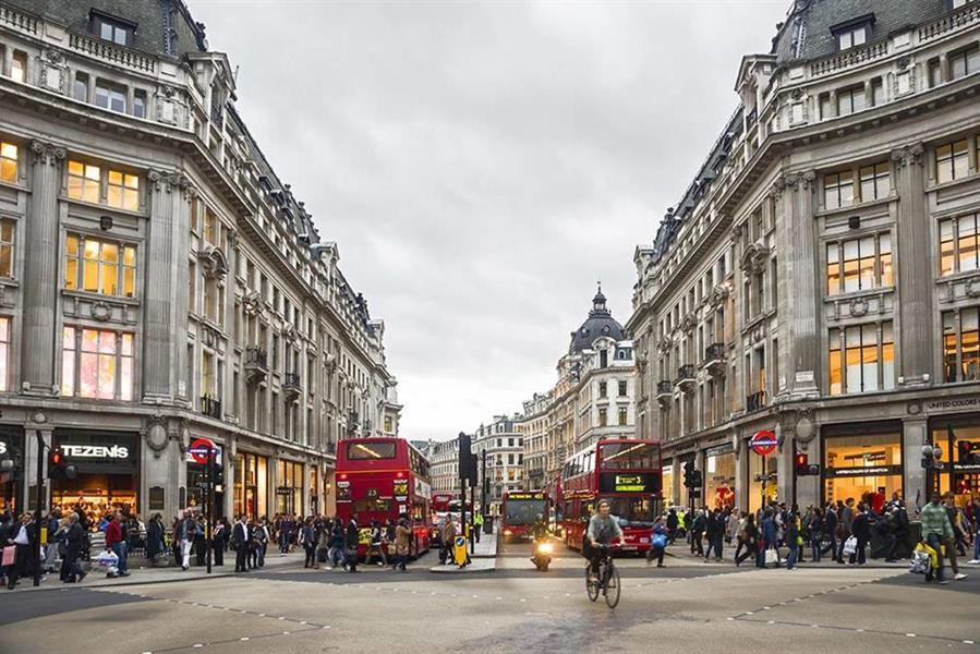 4 وجهات جذابة لعشاق التسوق