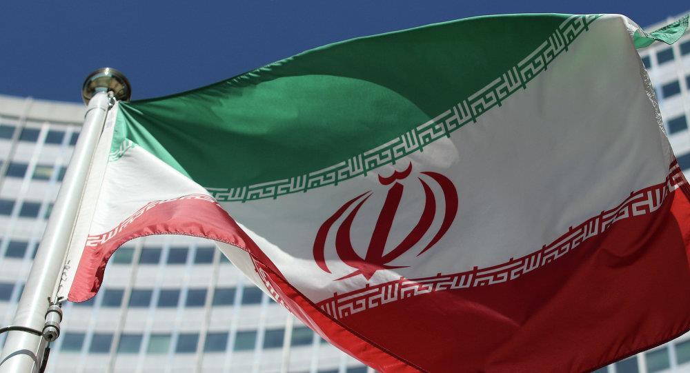 إيران تمنع تدريس اللغة الإنجليزية في المدارس الابتدائية بأمر من خامنئي