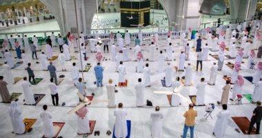 8 آلاف مصلٍ يؤدون صلاة العشاء اليوم بالمسجد الحرام وسط إجراءات احترازية مشددة