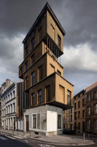 تقنية ثلاثية الأبعاد لمجموعة منازل أعلى بعضها كمبنى واحد