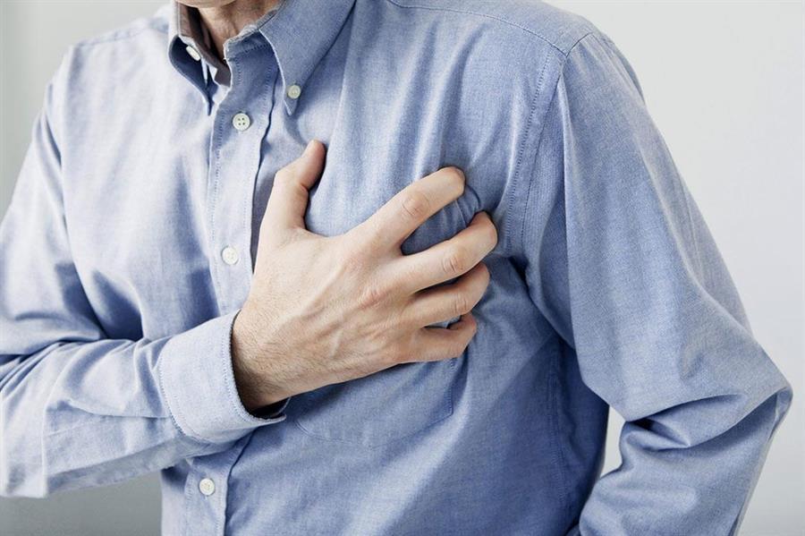 خالد النمر: 5 أمراض قد تجعلك تشعر بألم في الصدر .. لا داعي للقلق