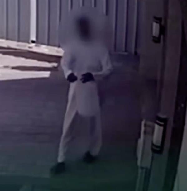 شرطة الرياض تقبض على شخص أشعل النار في أحد المنازل عمداً وارتكب عدة جرائم
