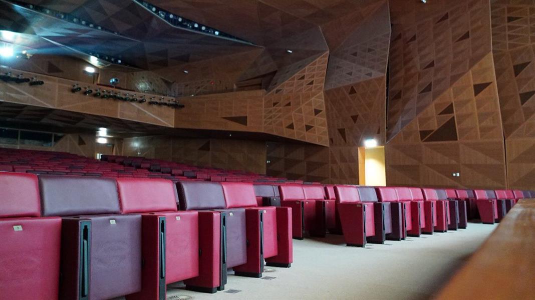 شاهد.. اللمسات الأخيرة لتجهيزات افتتاح أول سينما في المملكة غدًا الأربعاء
