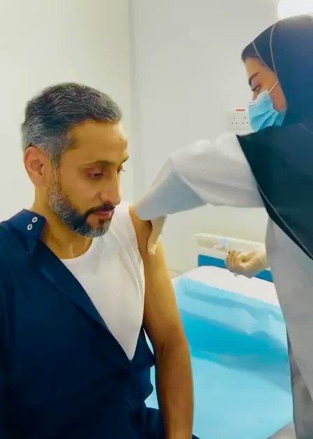 """سامي الجابر يتلقى الجرعة الأولى من لقاح """"كورونا"""""""