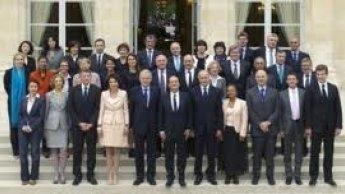 الوزراء الـ37 في الحكومة الفرنسية ينشرون كشفا بممتلكاتهم