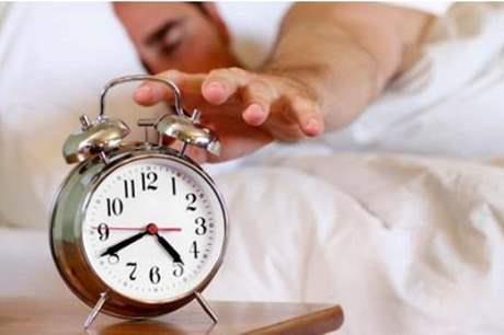 تحذير مهم.. لا تنم أقل من 5 ساعات ولا أكثر من 9 ساعات