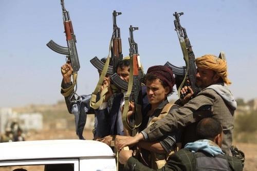 الحكومة اليمنية تبدأ بتحركات لمواجهات التحديات التي قد تطرأ جراء قرار تصنيف ميليشيا الحوثي تنظيمًا إرهابيًا