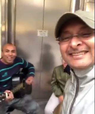 فيديو.. هكذا تفاعل عبدالمجيد عبدالله مع أب وابنته يغنيان في الطريق