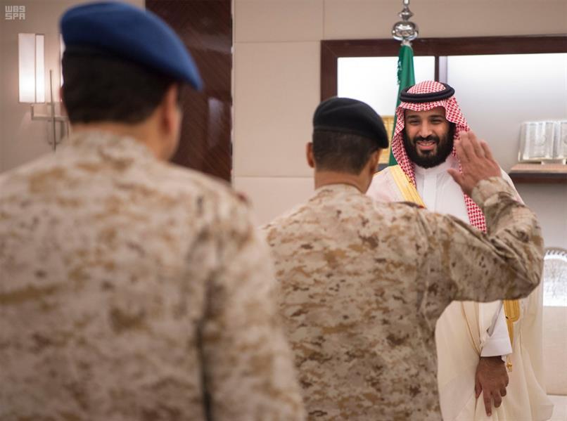 بالصور.. الأمير محمد بن سلمان يستقبل كبار القادة والمسؤولين في وزارة الدفاع