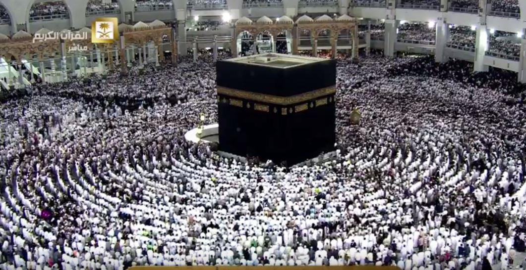 بالصور.. الحرم المكي يبلغ طاقته الاستيعابية والإمارة تغلق الطرق المؤدية إليه